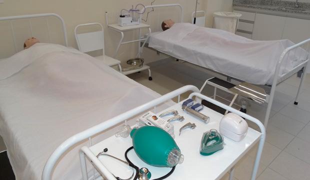 enf-Foto-1-Laboratorio-de-Enfermagem